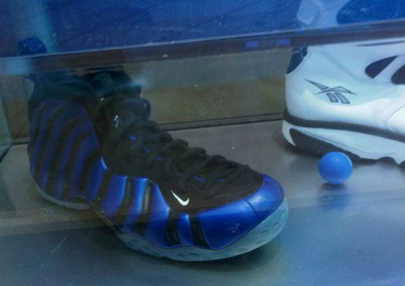 Nike Foamposite Galaxy Sneakers Auctioned for $ 70 000 ...