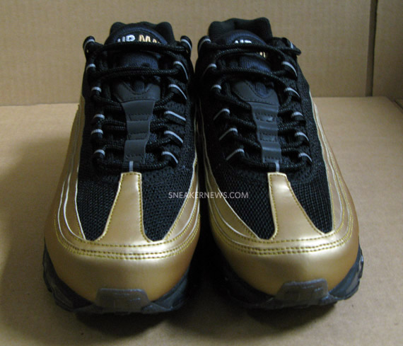 Nike Air Max 24 7 Metallic Gold Black Shoes