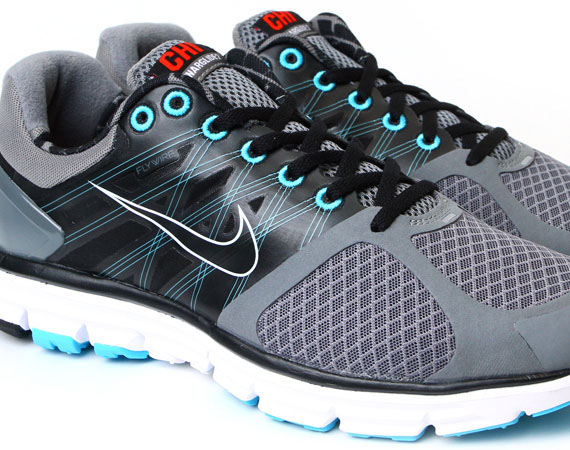 buy online f28ed aa53c Nike Lunarglide 2 - Chicago Exclusive - SneakerNews.com