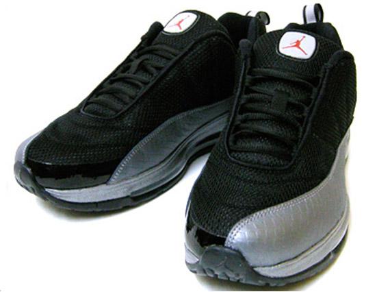 Jordan CMFT Max Air 12 \u2013 Black \u2013 Varsity Red \u2013 Medium Grey | Available Early on eBay - SneakerNews.com .