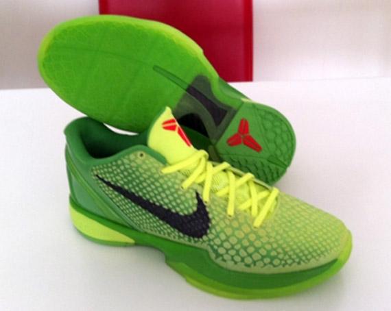 sale retailer 5c511 348c2 Nike Zoom Kobe 6  Christmas  – New Images