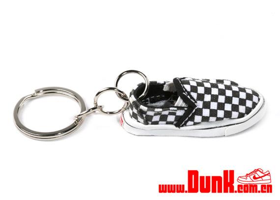vans keychain shoe