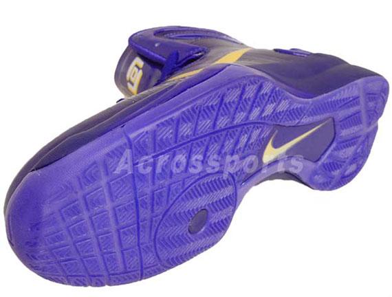 Nike Hyperdunk 2010 – Lamar Odom Lakers Away PE  82b9f4ae7d