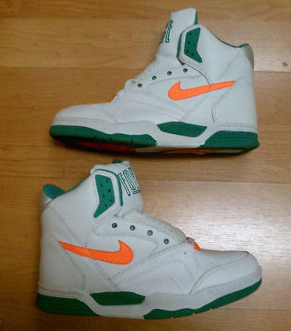new styles e0920 250be Nike Quantum Force II High - White - Clockwork Orange - Brig