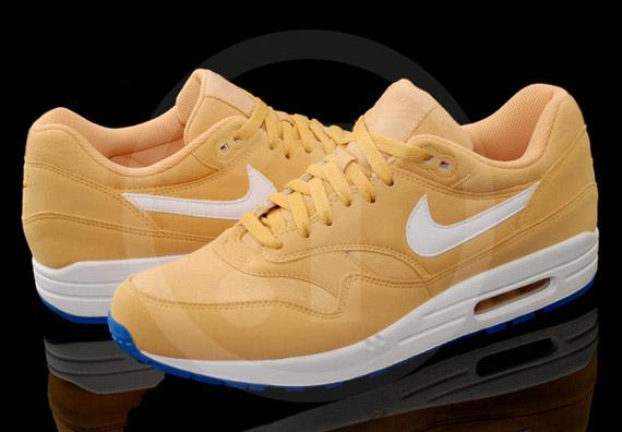 17cf2f46c4 Nike Air Max 1. Honeycomb/White-Blue Spark 308866-700. Advertisement