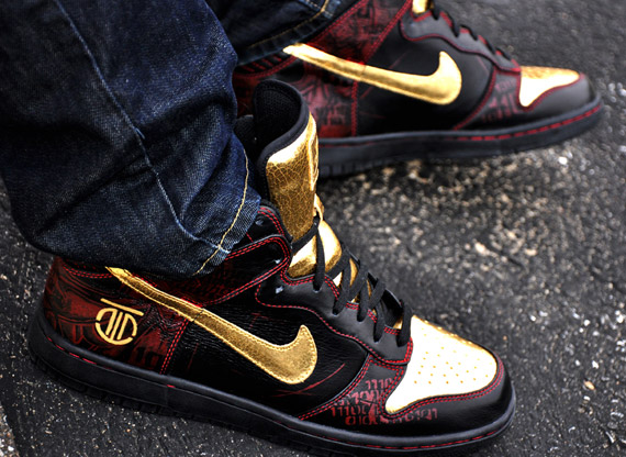 reputable site d5993 250b7 RŌM Samurai I - Nike Dunk High Customs - SneakerNews.com