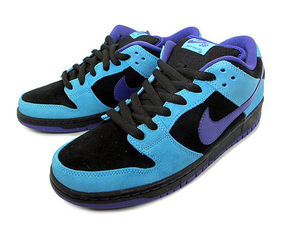 Nike SB Dunk Low - Black - Varsity