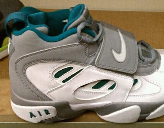 Baby Nike Air Diamond Turf 2 Deion OG Griffey Jordan B