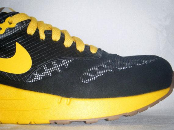 ba266e3624 Nike Air Maxim 1 Torch - Black - Varsity Maize - Unreleased Sample ...