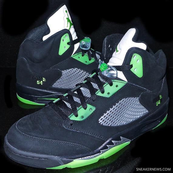 Air Jordan V Quai 54 - Black - Detailed Images - SneakerNews.com 72b838aac651