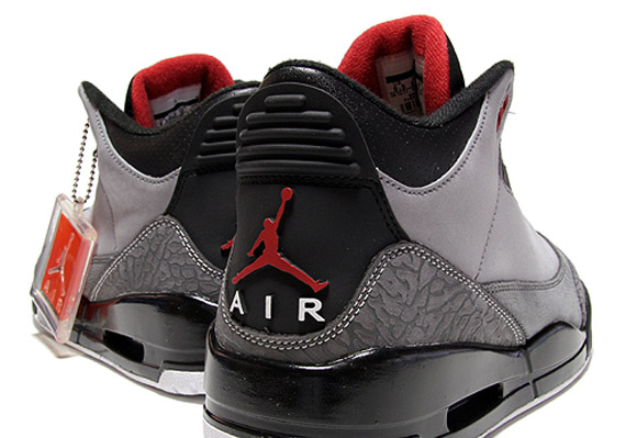 Air Jordan 3 Retro  Stealth  - New Images - SneakerNews.com cdc1a3857