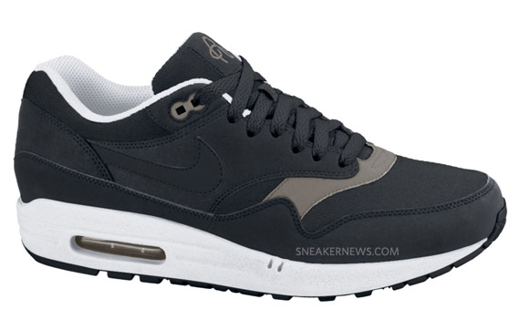 nike air max 1 black smoke white van