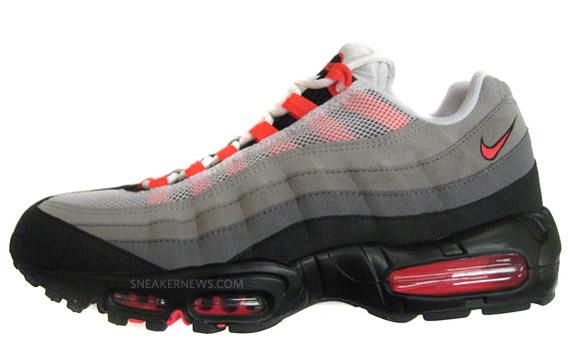 newest e6ec3 208af Nike Air Max 95 'Solar Red' - SneakerNews.com