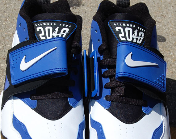 1da68abf49 Nike Air Diamond Turf - White - Black - Blue - SneakerNews.com