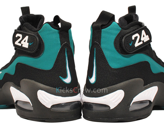 classic fit ad851 3054a Nike Air Griffey Max 1 – Freshwater   New Photos