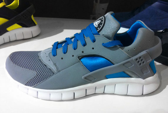 nike huarache gray and blue