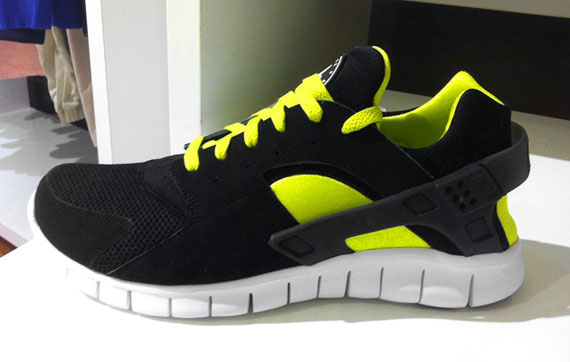 Nike Huarache Yellow And Blue