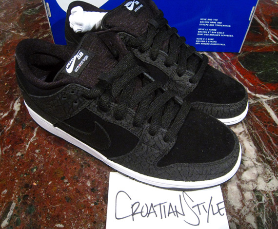 new styles 19cb9 d651e Entourage x Nike SB Dunk Low  Lights Out  - Available on eBay ...