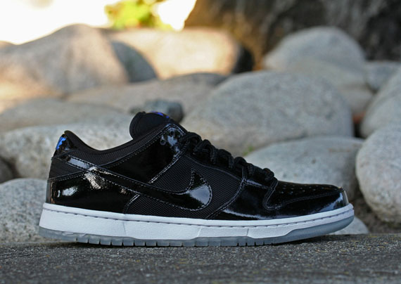 sale retailer b7041 60402 Nike SB Dunk Low 'Space Jam' - Release Reminder ...