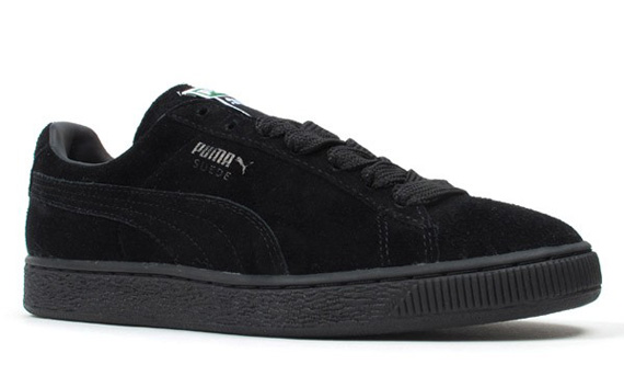 all black pumas