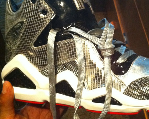 Swizz Beatz x Reebok Kamikaze III  Black Magic  - SneakerNews.com 92701a440
