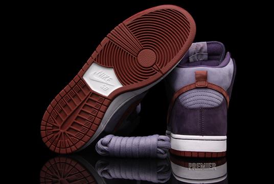 Nike Sb Dunk High Plomme For Salg zuyPGNw