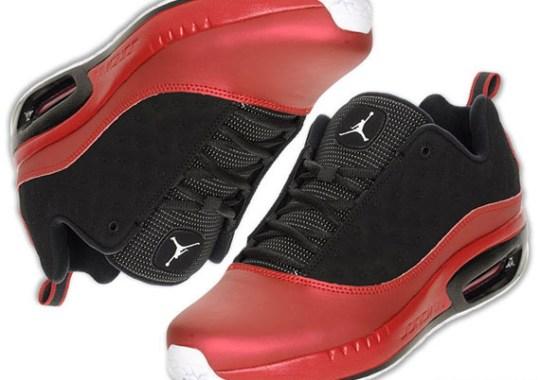 Jordan CMFT Viz Air 13 – Black – White – Red