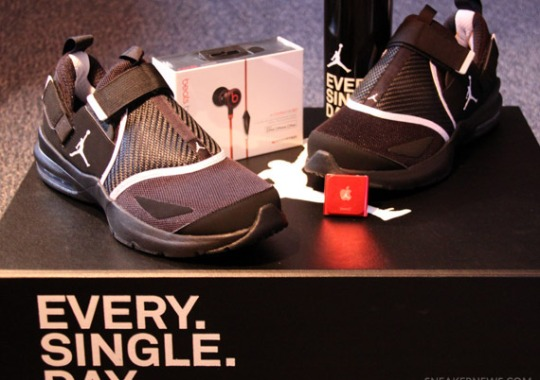"""Jordan Trunner LX 11 """"EVERY. SINGLE. DAY."""" Special Edition Package 2144edd5e772"""