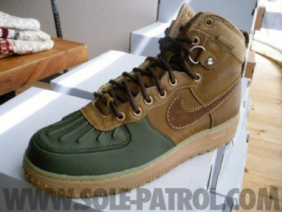 nike air force one duck boot