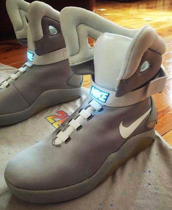 Nike Mag Replica V3