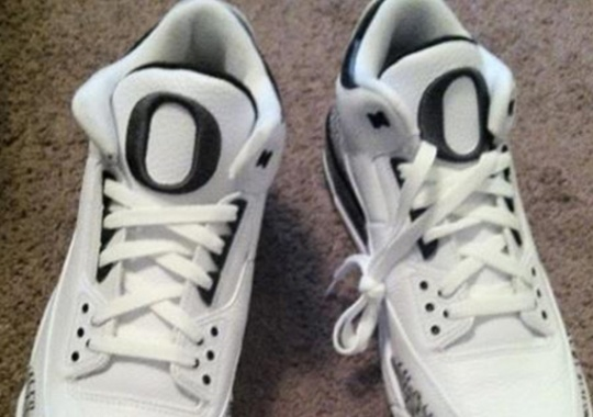 Air Jordan III – Oregon Ducks Home PE – New Images 10fd9b40a6