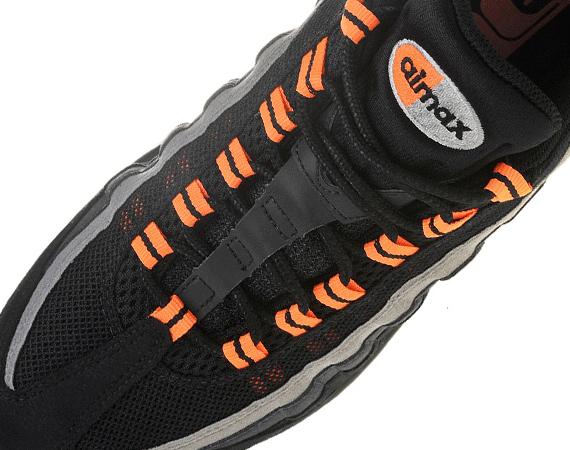 95c1628b12357e Nike Air Max 95  Halloween  - SneakerNews.com