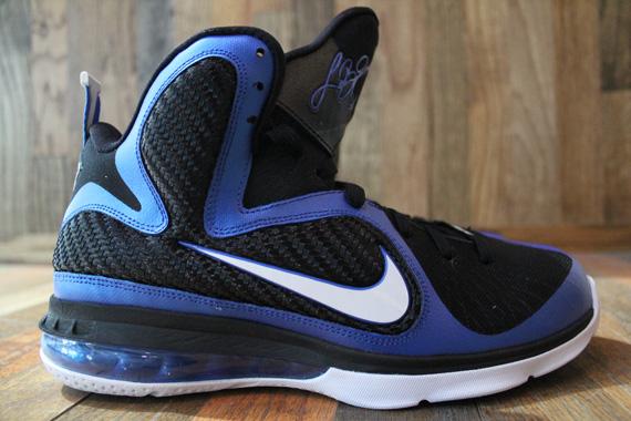 �9�+��ky����a_NikeLeBron9Kentucky-ReleaseDate-SneakerNews.com