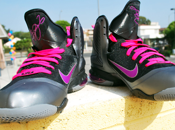 competitive price dbb94 4de50 Nike LeBron 9  Miami Nights  – Arriving   Retailers