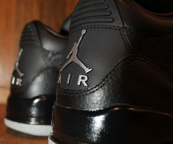 Air Jordan III Black Flip Arriving At Retailers