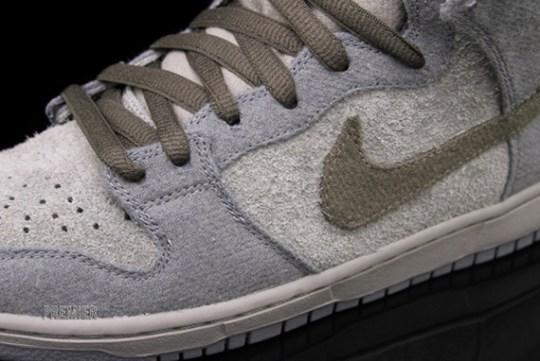 Nike SB Dunk High Premium 'Tauntaun' @ Premier