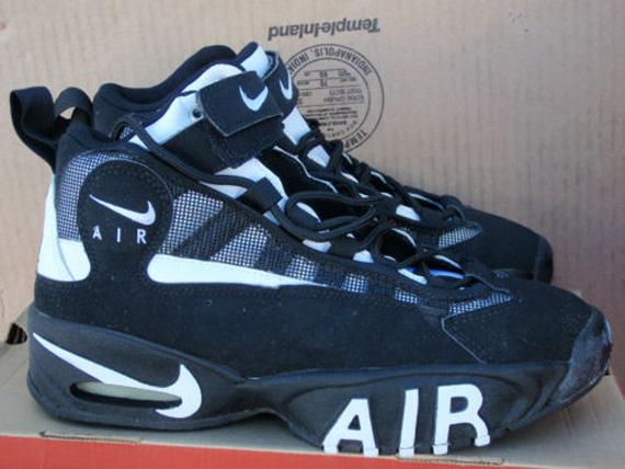 buy online 7b838 6bc7d Nike Air Flight 74