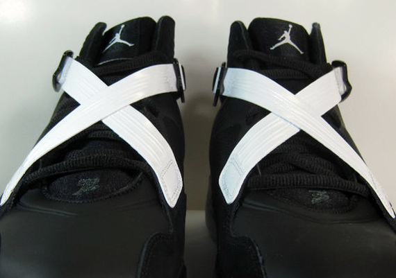 e3041f67ea0 Air Jordan 8.0 - Black - White | Release Reminder - SneakerNews.com