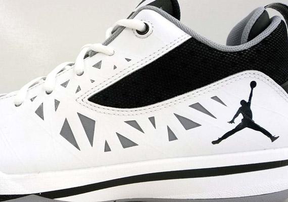 Jordan CP3.V White Black Metallic Sishoeser