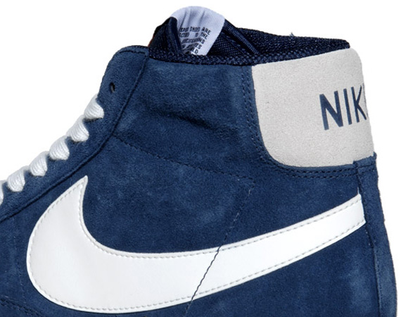 dark blue nike blazers