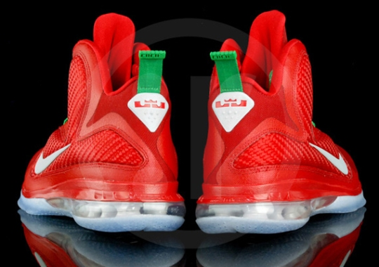 buy popular 4dc84 80d77 Nike LeBron 9  Christmas Day  – Detailed Images