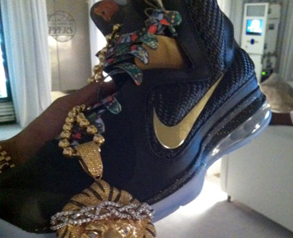 Watch The Throne Kd 7