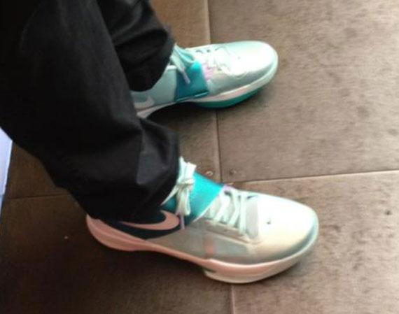 2a8f4832ea10 Nike Zoom KD IV  Easter  - SneakerNews.com