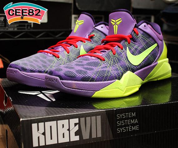 official photos 45e9d dac04 Nike Zoom Kobe VII  Christmas  - SneakerNews.com