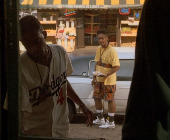 spike lees do the right thing In lee's early years as a filmmaker—beginning with his 1986 feature debut, she's  gotta have it, through 1989's do the right thing and 1992's.
