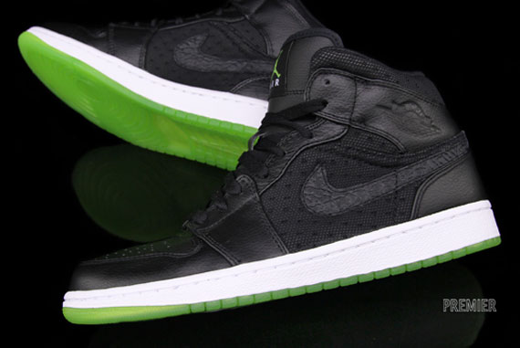sports shoes a996e ed325 Air Jordan 1 Phat – Black – Action Green   Available - SneakerNews.com
