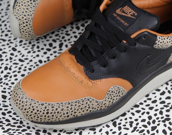 2b39ab468532 Nike Air Safari Celebrates 25th Anniversary - SneakerNews.com