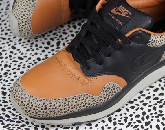 wholesale dealer 9578b 45191 Nike Air Safari Celebrates 25th Anniversary