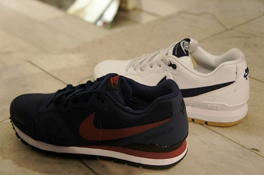 Nike Air Waffle Trainer – White + Midnight Navy