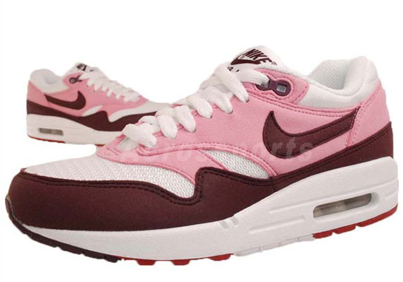 watch 71780 5e6eb Nike WMNS Air Max 1. Pink CoolerRed Mahogany-White-Gym Red 319986-603.  show comments